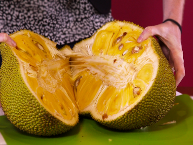 we-tried-jackfruit--the-huge-tree-fruit-that-supposedly-tastes-like-pulled-pork